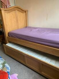 Oak single bed with trundle bed