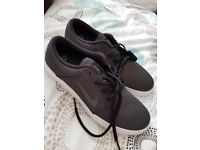 nikes trainers size 6