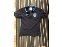 Boy's England football shirt age 6/7