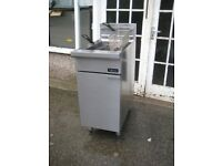 catering commercial Blue Seal CF4-P Cobra LPG fryer with gas safety certificate.