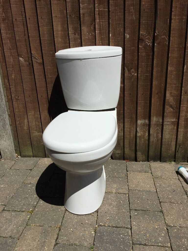 Victoria plumb toilet | in Mansfield, Nottinghamshire | Gumtree