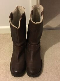 Fat Face women's brown leather boots in size 6.