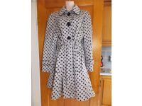 Florence & Fred Ladies Beige And Black Spotty Rain Coat Size 18