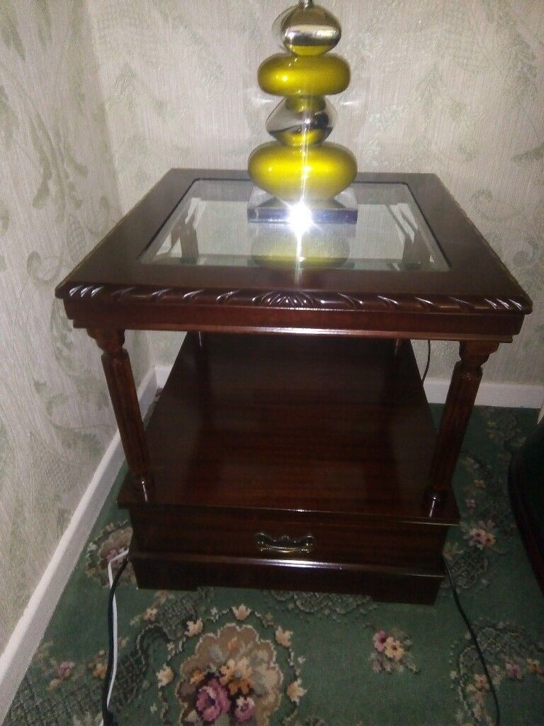 Green pebble table lamp £20 & Solid mahogany table £40. **Good condition**