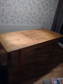 Oak Extending Table - Excellent condition