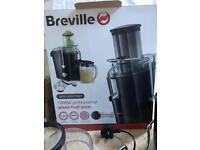Breville Whole Fruit Juicer