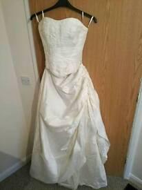 Beautiful size 12 wedding dress