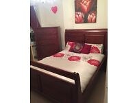Solid oak bed, chest of drawers, drawer set with mirror and 2 x bedside drawers