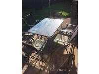 * LOVELY PATIO GARDEN SET - TABLE AND 6 CHAIRS - £100.00 ono *