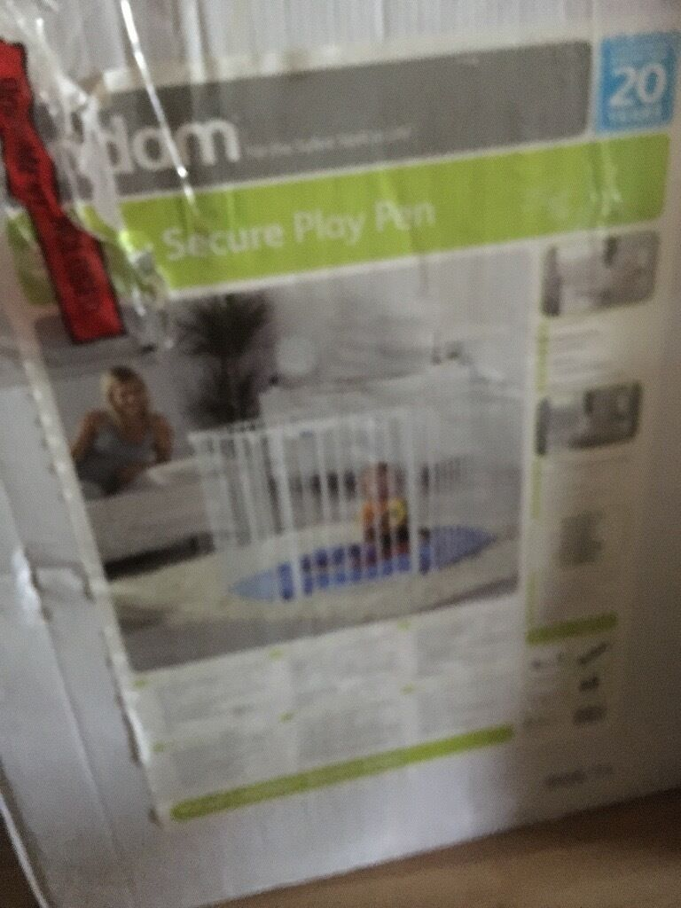 Secure baby play pen boxed