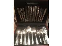 Full cutlery set sanders and bowers new