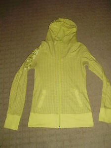 Women's Pale Yellow Bench Hoodie, size S London Ontario image 2