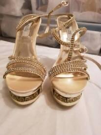 Gold and cream diamonte Size 4 heels