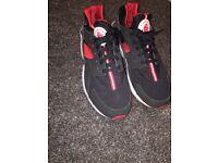Mens Nike huaraches trainers x2