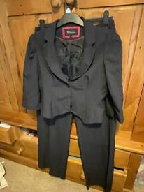 Ladies pinstriped suit size 12