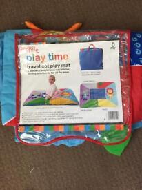 Travel cot playmat