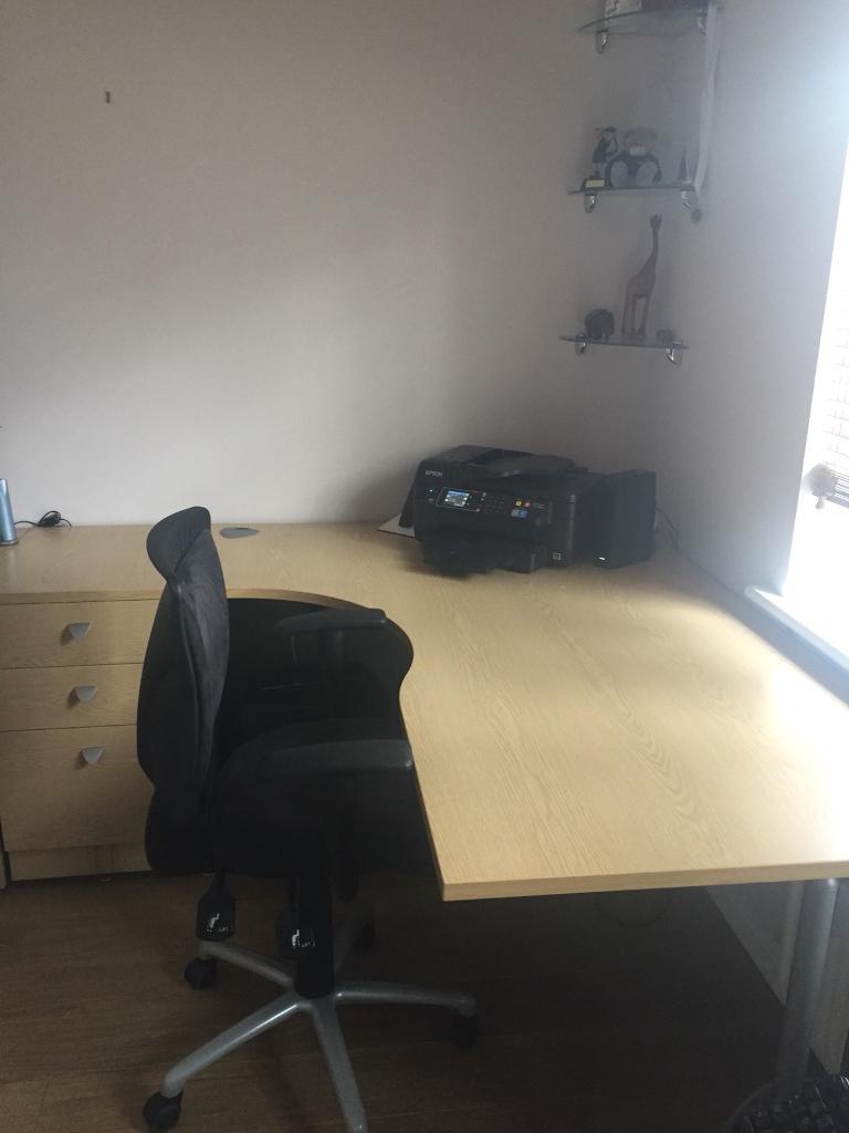 Desk and 3 drawer pedestal