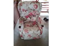 HSL Linton Standard Rise and Recliner - Wolseley Red, very good condition hardly used.