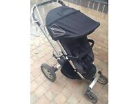 Quinny Buzz 4 travel system in black