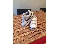 Infant Nike size 5.5