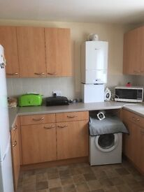 2 bed end terrace house for 3 bedroom