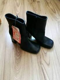 Brand new ladies boots size 3