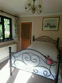 5 nights per week Double bedroom with private bathroom