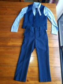 Immaculate 3 piece Navy Blue Suit from NEXT Signature Range. Age 5