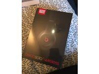Beats Solo 2 Wireless headphones - Black - sealed - £200