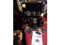 Nikon 3300 & double zoom accessorie kit