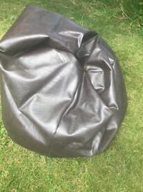 Large beanie cushion brown