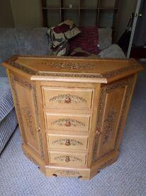 Solid wood decorative cupboard