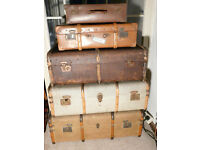 Set of 4 vintage trunks & 1 picnic set