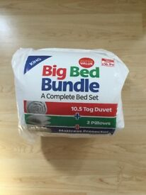 Kingsize duvet bed bundle - BRAND NEW