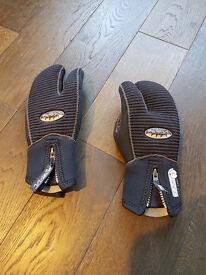 Winter Scuba diving gloves
