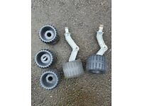 Trailer Ribbed Rollers & Brackets