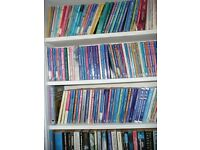 Mills & Boon paperbacks, approx 130, some collectables.