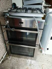 Integrated cooker for fitted kitchen