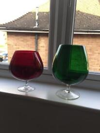 Red and green vases