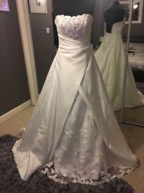 Brand New Wedding Dress (Ex Stock) Size 10/12