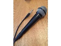 Cabled microphone