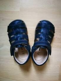 cd34e1629 Brand New girls size 7-8 Havaianas sandals