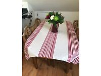 Solid pine dining room (extendable) table with 4 chairs