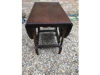 Solid oak drop leaf table vgc (can deliver)