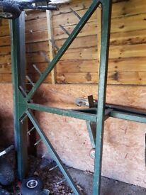 Horse ménage leveller with hook tow bar and wheels.Condition is Used.