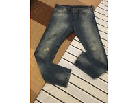 """Men's H & M Skinny Dirty Blue Jeans Fades/Rip/Repair and Destroy Detail waist 33"""" Fits upto 38R"""