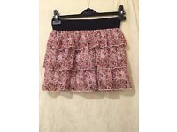Beautiful airy skirt with floral design, size 6