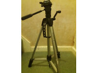 Tripod extendable up to 62 inches