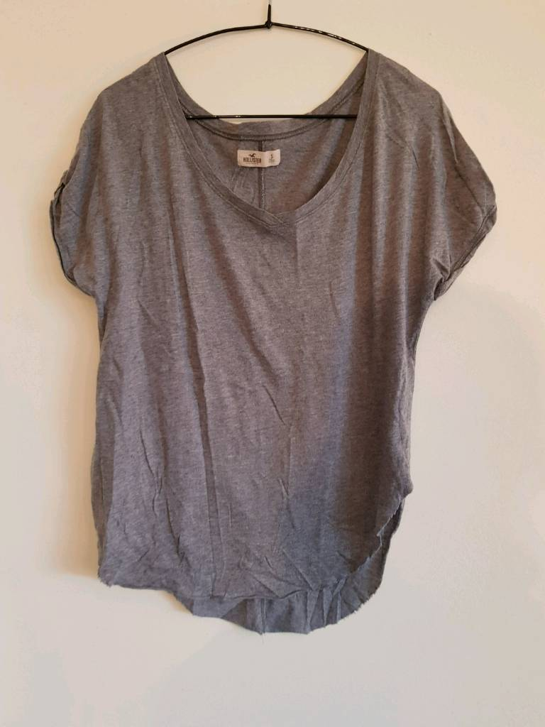 Hollister size small top