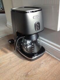 De'Longhi Distinta Filter Coffee Maker, Black